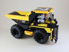 Giant Dump Truck | by LEGO 7