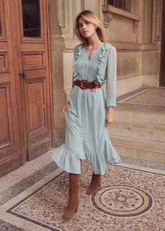 Hippie Outfits 453034043765034328 - Sézane, bohemian chic hippie look to adopt ., Hippie Outfits 453034043765034328 - Sézane, bohemian chic hippie look to adopt during falling temperatures! Perfect for spring / fall Source by audrey. Hippie Look, Look Boho, Hippie Chic, Hippie Style, Boho Outfits, Fashion Outfits, Womens Fashion, Fashion Trends, Fashion Ideas