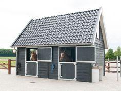 Small Horse Barns, Backyard Barn, Riding Stables, Hay Barn, Future Farms, Dream Barn, Horse Stalls, Farm Life, Homesteading