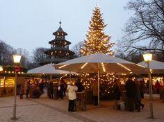 Romantischer Weihnachtsmarkt am Chinesischen Turm