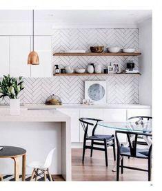 16 ideas for kitchen tiles white backsplash open shelving Grey Kitchens, Cool Kitchens, Kitchen Splashback Tiles, Splashbacks For Kitchens, Splashback Ideas, Modern Shelving, New Kitchen, Kitchen Ideas, Kitchen Wood