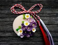 Imagini pentru martisoare Clay Crafts, Diy And Crafts, Arts And Crafts, Paper Crafts, Polymer Clay Ornaments, Polymer Clay Art, Clay Art For Kids, Biscuit, Paper Quilling Cards