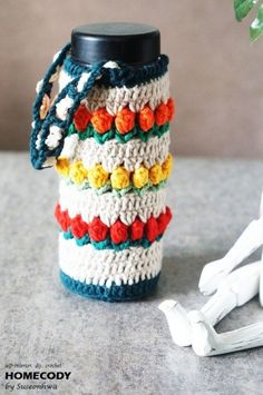 봄봄봄 물병에도 봄이 왔어요!! 알록달록한 튤립 물병주머니를 떠봤어요. 빨간 튤립노랑 튤립주황 튤립!! ... Knitting Projects, Crochet Projects, Cute Coasters, Crochet Cup Cozy, Bag Pattern Free, Art Bag, Knitting Accessories, Crochet Fashion, Crochet Crafts