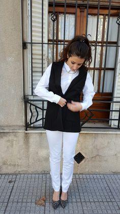 Outfit de Si chiama Paolina: chaleco$650+pantalón $360+camisa$470