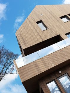Kebony SYP cladding on a private house in Norway. The owner loves to watch the development of a silver patina. Wood Cladding, Exterior Cladding, Construction, House Goals, Norway, Facade, Minimalism, Hardwood, Interior