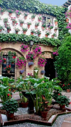 [La Inspiración de la Semana] 10 PATIOS ANDALUCES INSPIRADORES ¡Inspírate!  #SemanaSanta #PatioAndaluz #Exterior #Decoracion #Hogar #Plantas