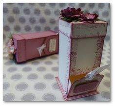 Coul'Heure Papier: Distributeur à Confiseries + Focus sur les In-Colors 2016-2018 : Sorbet aux Prunes [Tutoriel] Carton Board, Tea Box, Cardboard Furniture, Punch Board, Explosion Box, Favor Boxes, Stamping Up, Keepsake Boxes, Decorative Boxes