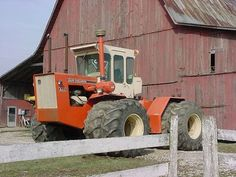 Allis-Chalmers 440 Big Tractors, Vintage Tractors, Allis Chalmers Tractors, Tractor Implements, Combine Harvester, Future Farms, Classic Tractor, Down On The Farm, Rubber Tires