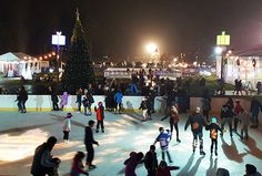 """There are five weekends from December 1 to January 1, and hundreds of ways to fill them. Overwhelmed by the possibilities? If you're looking for fun activities the kids will love that don't cost an arm and a leg, look no further than our list of the best family outings worth adding to your busy December """"to do"""" list. From holiday light shows to breakfast with Santa, we've compiled 12 great memory-making activities for this month. Check out our full calendar of events and our holiday guide…"""