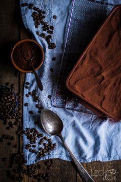 Das italienische Nationaldessert Tiramisu gibt es in vielen Varianten - viel leckerer als fertigen Löffelbisquit finde es mit fluffigem selbstgebackenem.