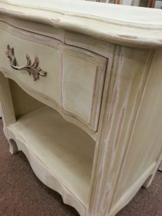 Thomasville nightstand painted by Patina Chic.