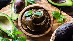 For a dessert that's both decadent and healthy, try our avocado chocolate pudding recipe! It contains no added sugars and is filled with healthy fats. Try out this vegan chocolate pudding today. Chocolate Pudding Recipes, Chocolate Mousse Recipe, Delicious Chocolate, Vegan Chocolate, Chocolate Desserts, Avocado Dessert, Avocado Toast, Whole Food Recipes, Dessert Recipes