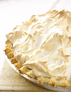 Luscious Creamy Lemon Meringue Pie