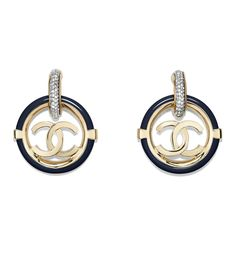 Costume Jewellery of the Spring-Summer 2019 Pre-Collection CHANEL Fashion collection : Clip-On Earrings, metal, resin & diamantés, gold, crystal & navy blue on the CHANEL official website. Chanel Earrings, Pink Earrings, Clip On Earrings, Dangle Earrings, High Jewelry, Jewelry Shop, Jewelry Accessories, Fashion Accessories, Chanel Fashion