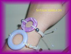 Pulseras / brazaletes artesanales de hilo  en macrame , nacar y madera . Handmade FRIENDSHIP macrame bracelets DIY