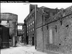 Wapping East End London, Old London, London Docklands, Tower Hamlets, London Photos, Historical Pictures, Old Photos, Past, Gun