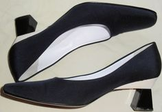 ESCADA Vintage Shoes Pumps Heel Blue White 7.5 37.5  HapaChico Haute Couture #ESCADA #Heels