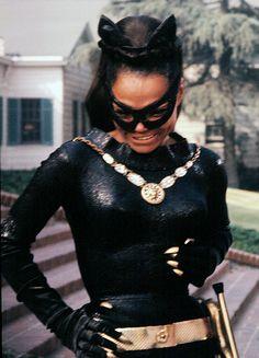 batman vintage tv show catwoman african american eartha kitt women of color Batman Tv Show, Batman Tv Series, Catwoman Cosplay, Dc Cosplay, Pokemon Cosplay, Classic Actresses, Actors & Actresses, Black Actresses, Black Is Beautiful