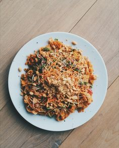 Vegan Pad Thai, recipe by Ellen Fisher