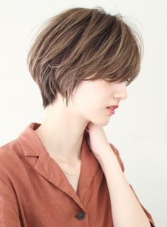 【美しいシルエットで魅せる大人ヘア】|ビューティーナビ Asian Bangs, Asian Short Hair, Short Hair Cuts, Short Hair Styles, Cute Hairstyles For Short Hair, Pixie Hairstyles, Choppy Pixie Cut, Choppy Bob Haircuts, Aesthetic Hair