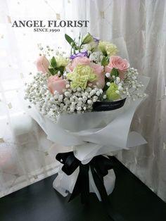 Natural love #Give a beautiful natural age #自然美丽的年纪 #玫瑰花 #花束 #鲜花 #满天星 #欧式 #韩式 #设计 #预订 #手花 #HandBouquet #Babybreath #Rose #JohorBahru #Johor #JohorJaya #Florist #FloristShop #FlowerShop #KedaiBunga #小天使花屋 #AngelFloristGiftCentre #新山花店 #花店 #新山 #柔佛 #Wechat #WhatsApp 010-6608200