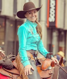 Thanks for checking out this unofficial Amber Marshall fan page! Heartland Actors, Heartland Quotes, Heartland Ranch, Heartland Tv Show, Cowgirl Look, Sexy Cowgirl, Rodeo Cowgirl, Ty E Amy, Into The West