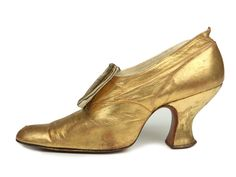 Late 1800s Brudei Lissiansky Gold kid leather shoes with Louis heels and decorative buckle made of gold lame and rhinestones.