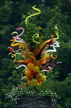 Dale Chihuly glass sculpture - this might be my all time favorite. Broken Glass Art, Sea Glass Art, Stained Glass Art, Glass Vase, Glass Chandelier, Cut Glass, Dale Chihuly, Art Installation, Glass Art Design