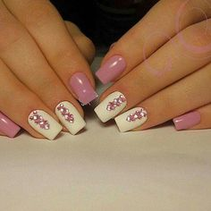 Love the 2 white middle nails and pink color