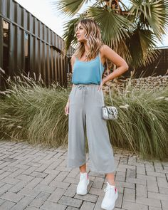 Micheli Fernandes. Trendy Outfits, Summer Outfits, Ideias Fashion, Instagram, Pants, Outfit Summer, Trouser Pants, Fashionable Outfits, Women's Pants
