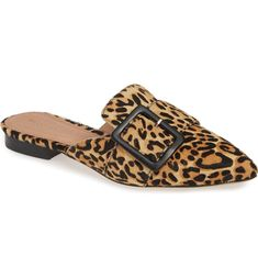 If you're looking for cheap fall accessories that look expensive, check out these budget-friendly shoes, bags, and jewelry items we see in smaller cities. Chunky Gold Necklaces, Thick Gold Chain, Fall Accessories, Bow Flats, Retro Sunglasses, Cheap Bags, Mules Shoes, Miller Sandal, Fashion Tips For Women