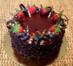 Food And Drink, Birthday Cake, Sweets, Baking, Cake Ideas, Projects, Decorating Cakes, Caramel, Log Projects