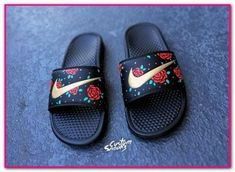 So Cheap! Im gonna love this site!Check it's Amazing with this fashion Shoes! get it for 2016 Fashion Nike womens running shoes Buty do biegania Nike Wmns Air Zoom Pegasus 32 W Nike Looks, Nike Free Shoes, Nike Shoes Outlet, Souliers Nike, Nike Benassi, Custom Shoes, Custom Sneakers, Slide Sandals, Shoes Sandals