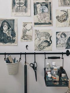 Artist Natalie Rukavishnikova www.natalieruka.com Workspace Inspiration, Room Inspiration, Room Decor Bedroom, Diy Room Decor, Poster Minimalista, Art Studio Organization, Creative Studio, Art Studios, Decoration