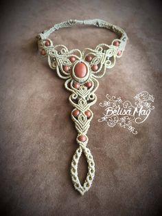 Bracelet de pied en macramé beige avec aventurines. Taille ajustable grâce à un système de liens coulissant, de 37 à 41. Longueur du bracelet (jusquà la base de la bague): 10 cm Taille de laventurine: 2X1,5cm Pièce unique made with Love in Ibiza.  Pour voir plus de bracelet de pieds, cliquez sur le lien suivant: https://www.etsy.com/shop/BelisaMag?ref=listing-shop2-all-items-count&section_id=16526204  Pour voir voir lensemble du magasin, cliquez sur le lien s...
