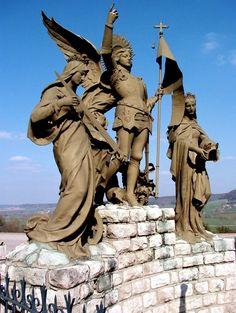 Monument dedicated to St. Joan of Arc, Domrémy, France. Joan D Arc, Saint Joan Of Arc, St Joan, Jeanne D'arc, Angels Among Us, Catholic Saints, Angeles, Medieval Fantasy, Religious Art