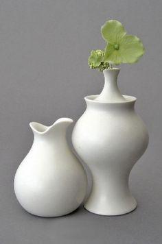 collaboration of Klein Reid & eva zeisel | cream and sugar bowls
