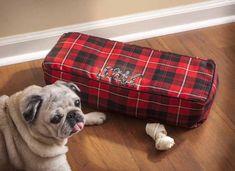 DIY monogramed pet bed for your favorite pooch #plaidcrafts #modpodge