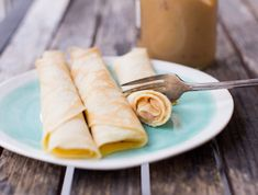The most traditional filling for crepes in Chile: Dulce de Leche. Nutella, Chicken White Sauce, Chilean Recipes, Chilean Food, Crepes Filling, Savory Crepes, Food Names, How To Double A Recipe, Recipe Images