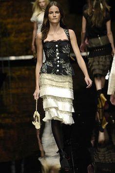 Dolce & Gabbana Spring 2006 Ready-to-Wear Collection Photos - Vogue