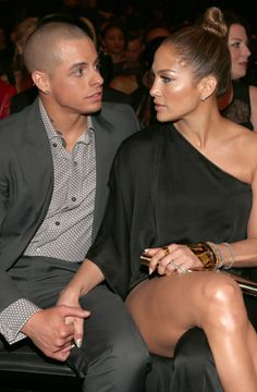 Jennifer Lopez and Casper Smart have been together for a while but like every relationship they've had their ups and down, here's a look at a timeline of their relationship. via @latina