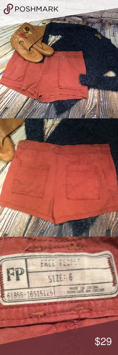 """FREE PEOPLE CARGO SHORTS Great pair of shorts to wear right into fall with a cute sweater and booties or boots. Create you own style. Size says 6 but measurements are lying flat waist 18"""" hips 20"""" Free People Shorts Cargos"""