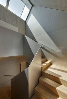 Pin By Mauro Moro On Stairs Architectural Lighting Design Stair Handrail, Staircase Railings, Modern Staircase, Staircase Design, Stairways, Contemporary Stairs, Wood Stairs, Banisters, Architectural Lighting Design