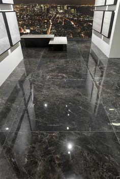 80 spectacular home floor design ideas 33 ⋆ masnewsclub Home Floor Design, House Front Design, Modern House Design, Large Floor Tiles, Tile Floor, Ceramic Floor Tiles, Marble Floor, Granite Flooring, House Tiles