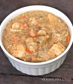 Skinny version of Chicken and Dumplings that can be prepared in your Slow Cooker!  Yum!! #skinnyms #slowcooker #recipes