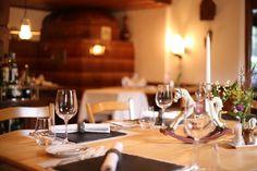 würenlos rössli Restaurant, Table Settings, Diner Restaurant, Place Settings, Restaurants, Dining, Tablescapes