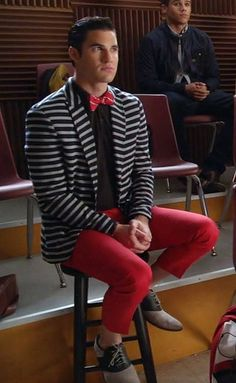 Blaine does enjoy his patterned jackets, doesn't he?