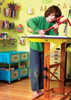 Kids Idea Invention Lab - must pull some of this together for my son for Christmas - he'd love it! This link doesnt actually take you to the article Science For Kids, Science Labs, Elementary Science, Science Classroom, Science Education, Earth Science, Science Experiments, Science Bedroom, Kids Workbench
