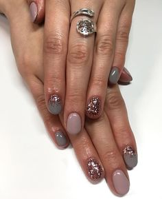 We have come up with some of the finest nail art designs. Be sure you check them out. Get Nails, Fancy Nails, Love Nails, How To Do Nails, Pretty Nails, Nail Color Combos, Nail Colors, Shellac Nails, Nail Polish