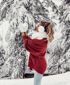 Photography Winter, Girl Photography Poses, Anime Winter, Winter Schnee, Winter Instagram, Instagram Travel, Instagram Life, Snow Pictures, Snow Outfit